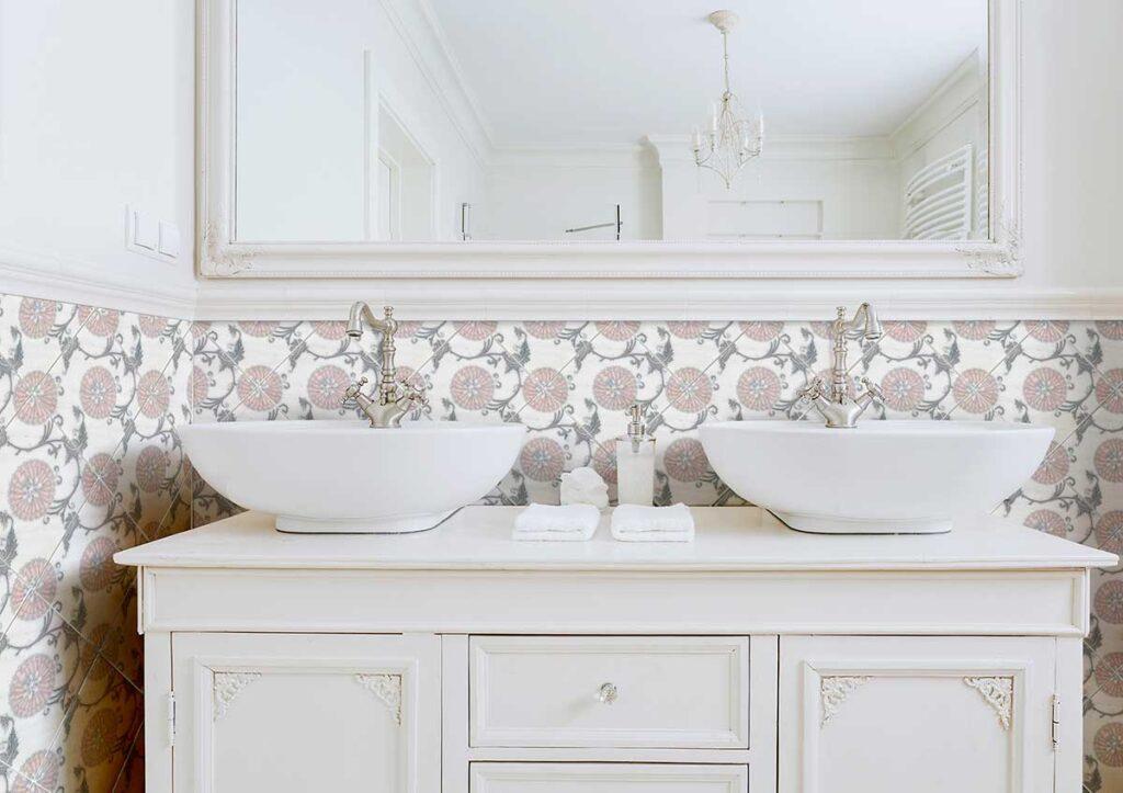 40_Eliana Pink Grey AST Bathroom