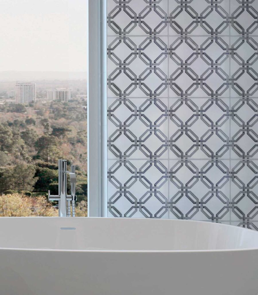 40_Lattice Gingham Bathroom